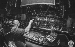 carl cox music is revolution closing set
